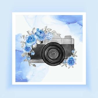 Acquerello della fotocamera con fiori blu Vettore Premium