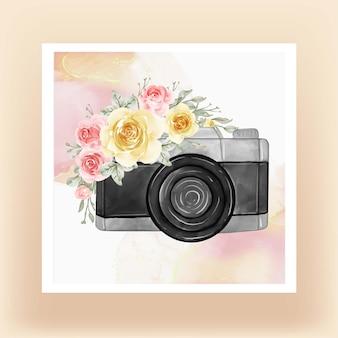 Acquerello della macchina fotografica con la pesca dei fiori gialli