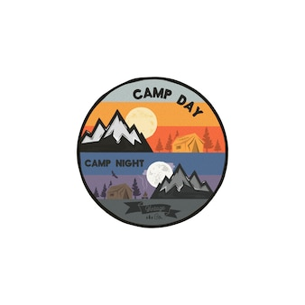 Concetto di avventura all'aria aperta di giorno e notte di campeggio emblema di campeggio unico, distintivo.