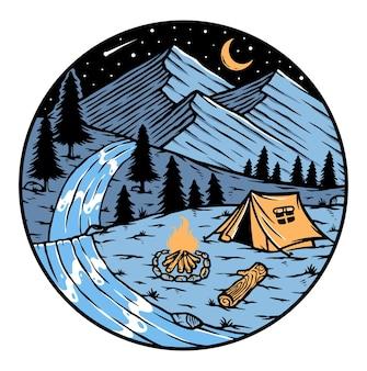 Campeggio in montagna di notte badge