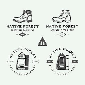 Campeggio all'aperto e emblema di avventura