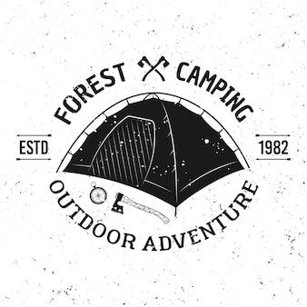 Emblema monocromatico dell'annata di vettore della tenda di campeggio, etichetta, distintivo o logo isolato su fondo bianco