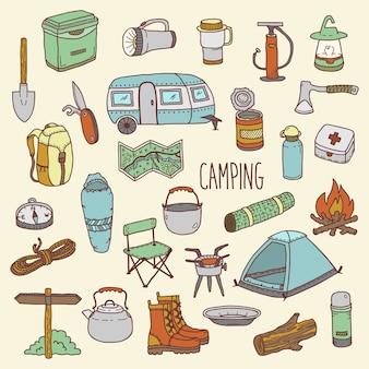 Insieme variopinto disegnato a mano dell'icona di campeggio di vettore