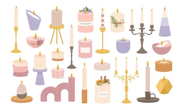 Candele in candelieri. candeliere vintage vecchio candelabro. candela accesa decorativa nel supporto. insieme di vettore della fiamma a lume di candela. candelabro e candelabro, supporto e illustrazione dell'aroma a lume di candela