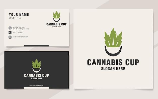 Modello di logo della tazza di cannabis in stile monogramma