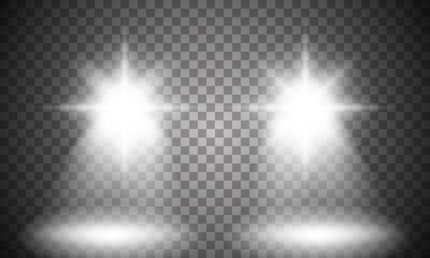 Luce del faro dell'automobile su sfondo trasparente.