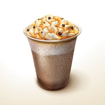 Elemento frullato al cacao e moka al caramello, congelare la bevanda ghiacciata con panna, fave di cioccolato e topping al caramello per gli usi