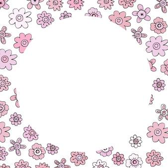 Modello di carta con fiori rosa scarabocchiati e una forma rotonda per un biglietto d'invito.
