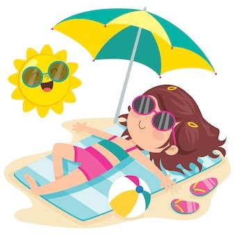 Personaggio dei cartoni animati, prendere il sole sulla spiaggia
