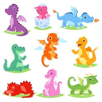 Insieme sveglio dell'illustrazione della libellula o del dinosauro del drago del fumetto dei caratteri di dino dalla favola dei bambini su fondo bianco