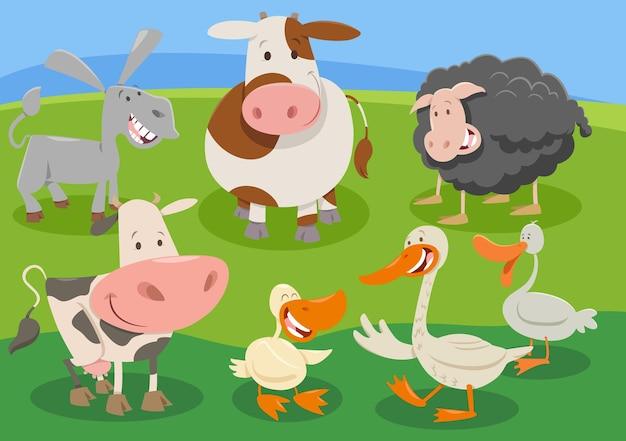 Gruppo di personaggi di animali da fattoria dei cartoni animati in campagna