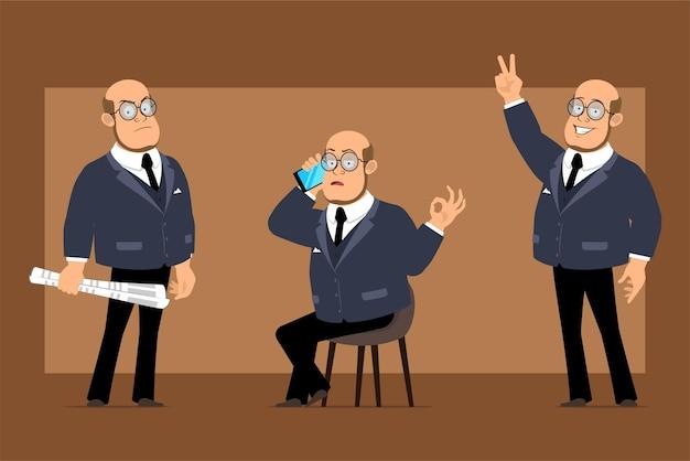 Carattere dell'uomo del professore calvo piatto divertente del fumetto in abito scuro e occhiali. ragazzo che mostra il segno di pace e parla al telefono.