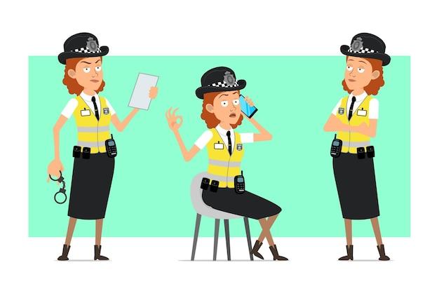 Carattere della donna della polizia britannica piatto divertente del fumetto in giacca gialla con distintivo. ragazza parla al telefono e va bene il gesto.