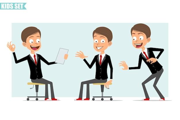 Carattere del ragazzo piatto divertente affari del fumetto in giacca nera con cravatta rossa. kid furtivamente, mostrando ciao segno e leggendo la nota. pronto per l'animazione. isolato su sfondo grigio. impostato.