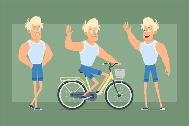 Cartone animato piatto divertente personaggio sprotsman biondo forte in maglietta e pantaloncini. ragazzo che guida sulla bicicletta e mostra il gesto di ciao. pronto per l'animazione. isolato su sfondo verde. impostato.