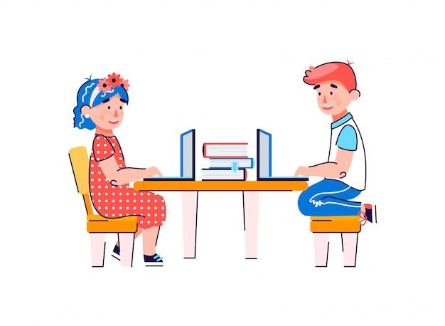Fumetto illustrazione vettoriale isolato di bambini che utilizzano computer portatili per l'apprendimento in linea.