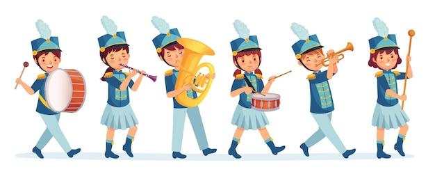 Parata della banda musicale dei bambini del fumetto. musicisti del bambino in marzo, illustrazione del fumetto degli strumenti musicali ad alto volume per bambini. parata di intrattenimento, esecutore di tamburi e banda musicale