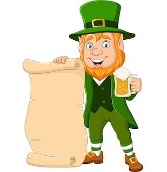 Leprechaun del fumetto che tiene una tazza di birra e pergamena di scorrimento