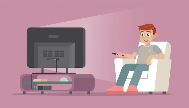 Uomo del fumetto che si siede sul sofà che guarda tv a casa.
