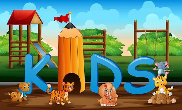 Cartoon alcuni animali nel parco giochi per bambini