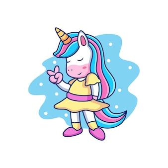 Vestito da unicorno dei cartoni animati con posa carina