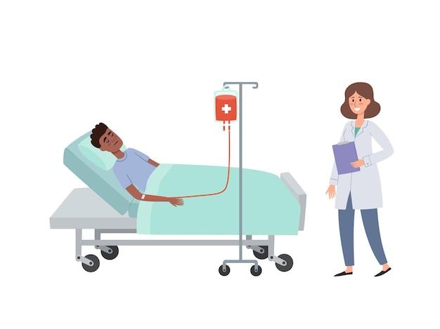 Fumetto del paziente sdraiato con gocciolamento di sangue e infermiere in ospedale isolato su bianco. concetto di assistenza sanitaria del paziente africano durante la procedura di trasfusione di sangue