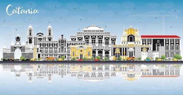 Orizzonte della città di catania italia con edifici grigi, cielo blu e riflessi. illustrazione di vettore. viaggi d'affari e concetto di turismo con architettura storica. paesaggio urbano di catania sicilia con punti di riferimento.