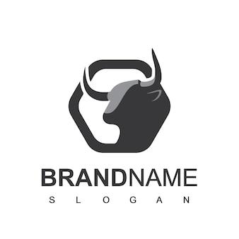 Logo del bestiame con il vettore di disegno del toro