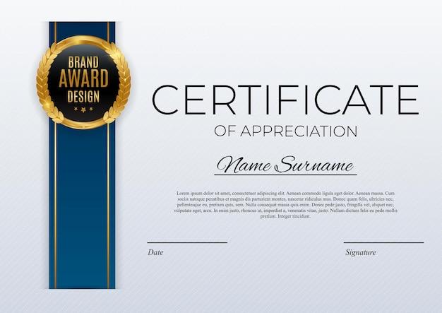 Certificato del modello di successo impostato sfondo con distintivo d'oro e bordo premio diploma design vuoto.