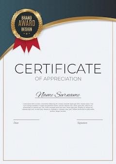Certificato di modello di realizzazione con badge in oro e bordo. premio diploma design