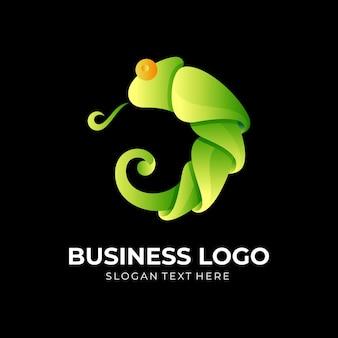 Chameleon logo design con stile di colore verde 3d