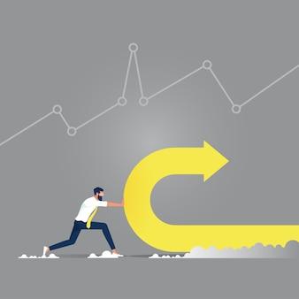 Cambio di direzione, uomo d'affari che cambia il percorso di un'enorme freccia per suggerire un aumento positivo