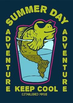 Un carattere di pesce che nuota nel bicchiere d'acqua con occhiali da sole e godersi la giornata estiva in retrò anni '80 illustrazione vettoriale