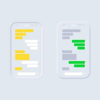 La mano di concetto di chat tiene uno smartphone
