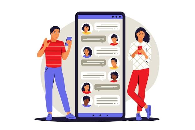Concetto di chat. parlare online, parlare, conversazione, dialogo. notifiche dei messaggi di chat del telefono cellulare. illustrazione vettoriale. appartamento.
