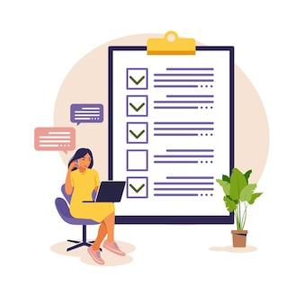 Lista di controllo, illustrazione di vettore dell'elenco delle cose da fare. elenco o concetto di blocco note. idea imprenditoriale, pianificazione o pausa caffè.