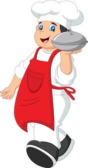 Lo chef porta un vassoio di cibo