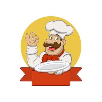 Chef che tiene un piatto sul logo della mascotte del braccio sinistro