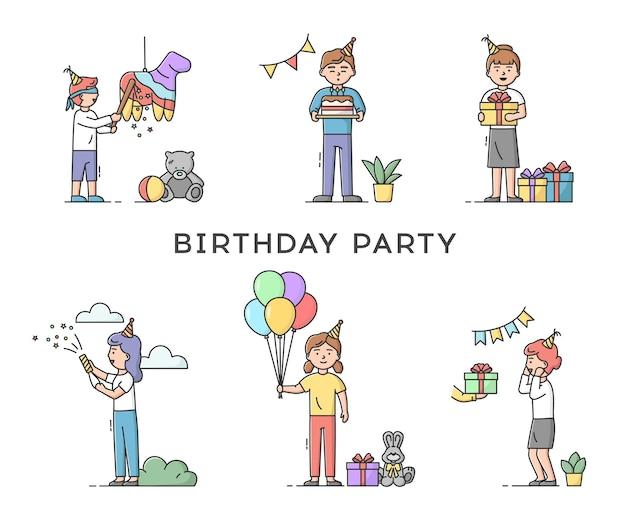 Concetto di celebrazione festa di compleanno di infanzia. insieme di persone che preparano decorazioni o ricevono regali. felice sorridente uomo e donna che celebra vacanza.