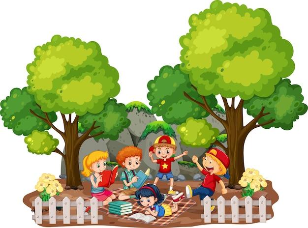 Bambini nella scena all'aperto del giardino su priorità bassa bianca