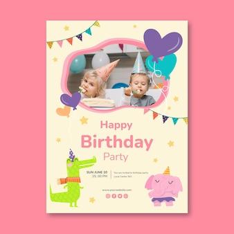 Modello di volantino verticale di compleanno per bambini