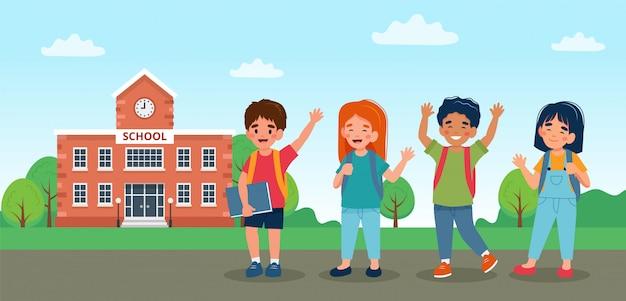 Bambini che camminano a scuola, simpatici personaggi colorati.