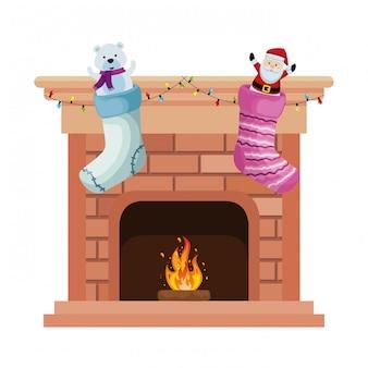 Camino con calzini natalizi