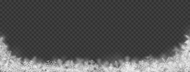Sfondo natalizio di fiocchi di neve di diverse forme, dimensioni, sfocatura e trasparenza su sfondo trasparente