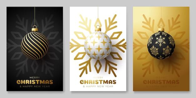 Insieme del manifesto semplice della palla di natale. set natalizio di sfondi, biglietti di auguri, poster web, copertine per le vacanze. progettare con realistico capodanno. illustrazione vettoriale