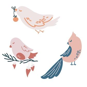 Uccelli di natale. diversi uccelli di natale con palline, decorazioni. perfetto per biglietti di auguri, inviti, flayer. illustrazione di festa del fumetto di vettore.
