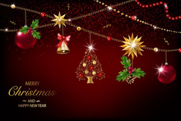 Cartolina di natale con una composizione di elementi festivi come stella d'oro, bacche, decorazioni per l'albero di natale, rami di pino. buon natale e felice anno nuovo. decorazione glitterata, oro