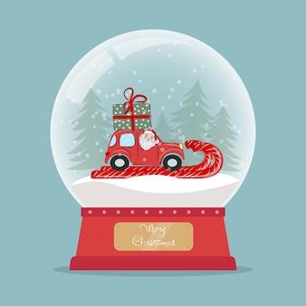Globo di neve di vetro di natale con babbo natale in macchina rossa con un regalo sul tetto palla di vetro di capodanno