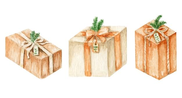 Scatole regalo di natale capodanno, regali con fiocchi di nastro di seta e rami di pino