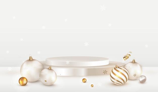Scenografia natalizia con podio bianco e decorazioni pallina